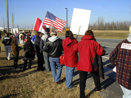 Photo: FreeDominion.ca Pro-Bush rally outside Ottawa.