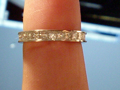 Engagement ring for sale -- see    http://cgi.ebay.com/ws/eBayISAPI.dll?ViewItem&item=4997762829.